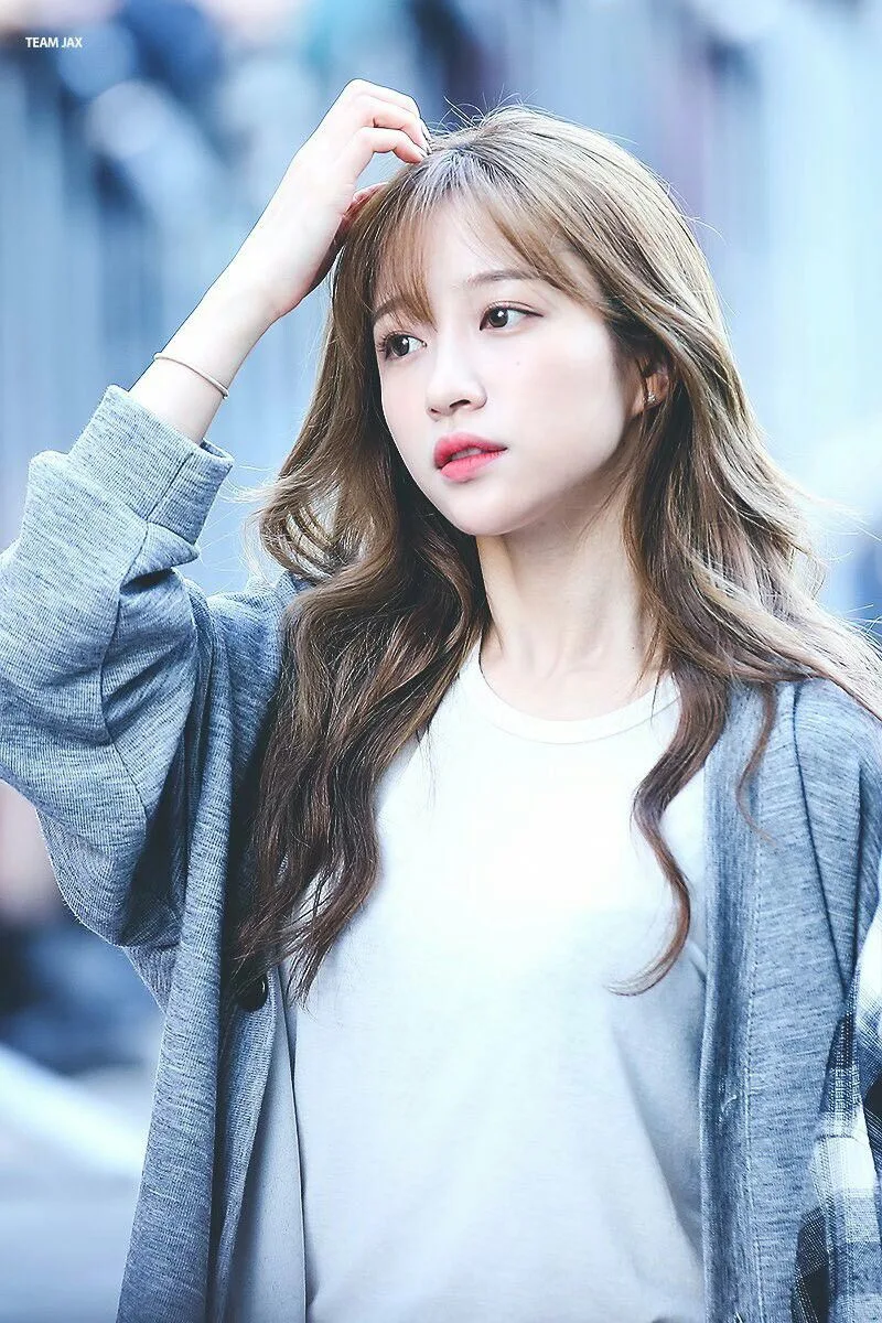 9 Idols Who Are Known To Be Introverted When Around Strangers Koreaboo Ahn Hani Kpop Girls Hani