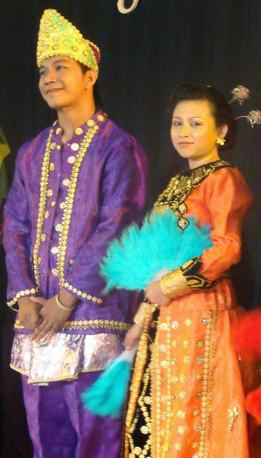 Pakaian Adat Dari Pulau Sulawesi