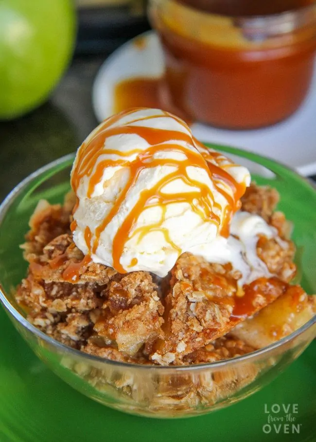 How To Make Apple Crisp - Love From The Oven