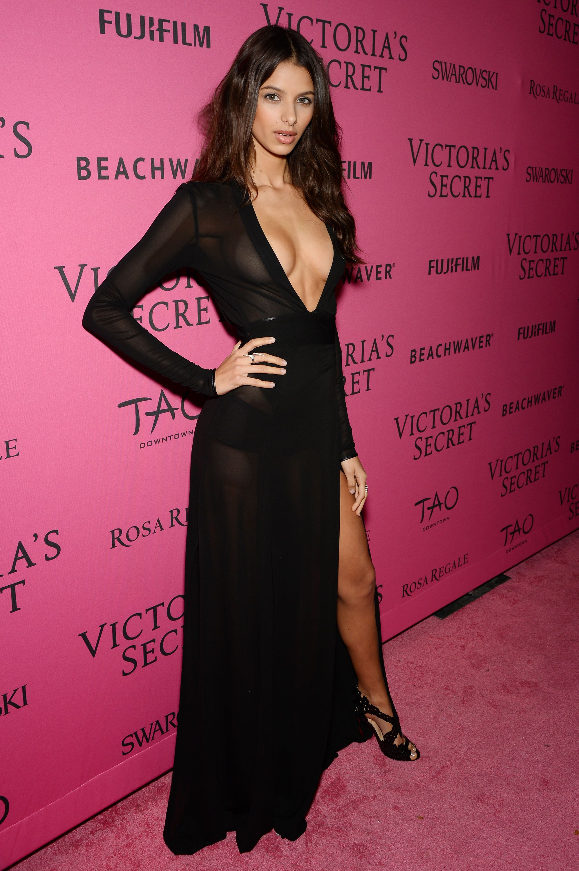 19 Women Who Went Braless at the Victoria\'s Secret Fashion Show ...