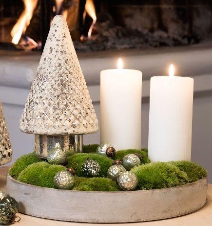 Juledekoration lavet i cermentfad fra Claus Dalby. Pynten er et glas ...