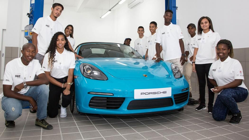 Porsche begins its social training project in South Africa /