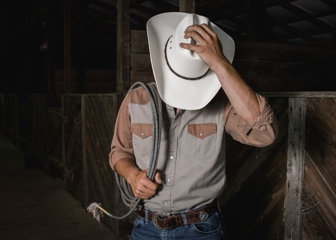 5689f61e4 The Stetson Llano 10X Straw Cowboy Hat is constructed of genuine 10X Straw  and features a cattleman crown