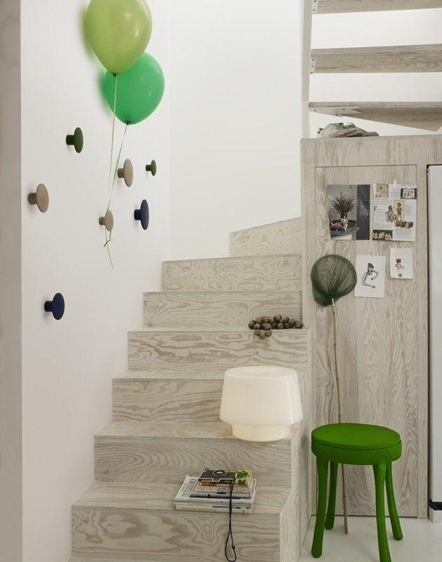 Muuto – The Dots single S – burgundy – indoor