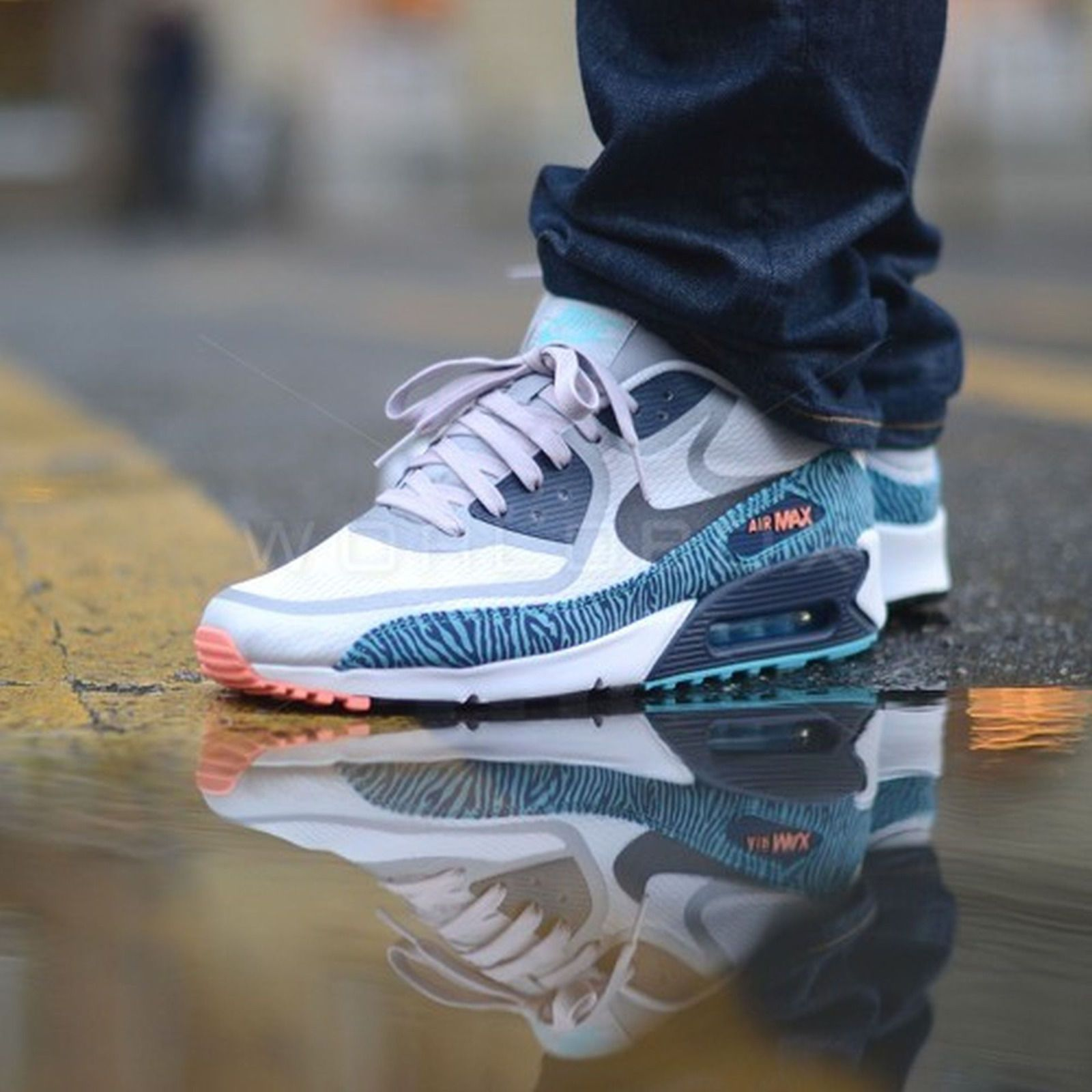nike air max 90 prm tape zebra