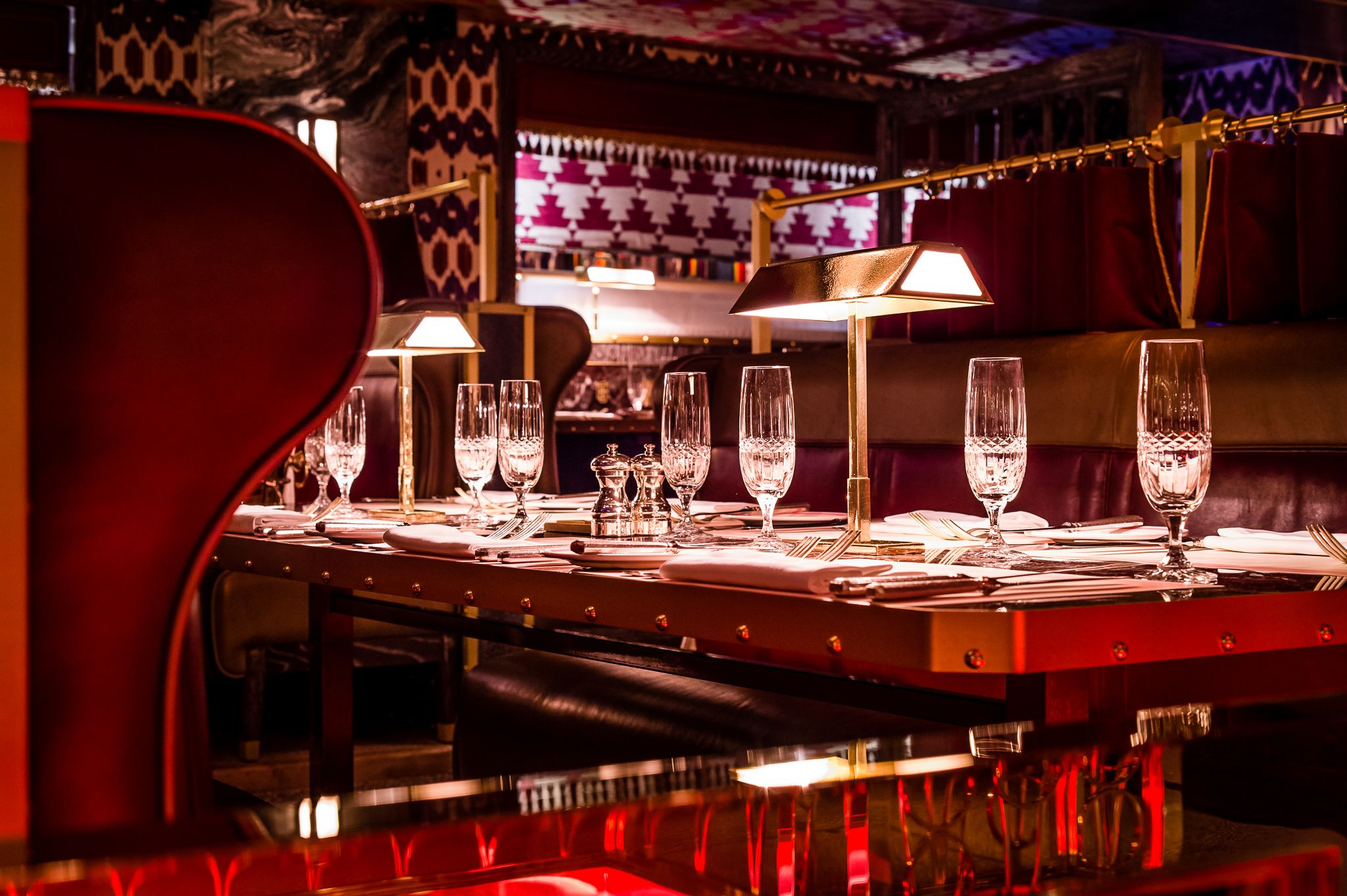 Want To Try The New Club Room At Bob Bob Ricard In Soho Where Every Booth Has A Press For Champagne Button Bob Bob Ricard London Restaurants Red Dining Room