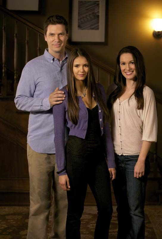 """The Departed"" - Jason MacDonald as Grayson Gilbert, Nina Dobrev as Elena Gilbert and Erin Beute as Miranda Gilbert in THE VAMPIRE DIARIES on THE CW."