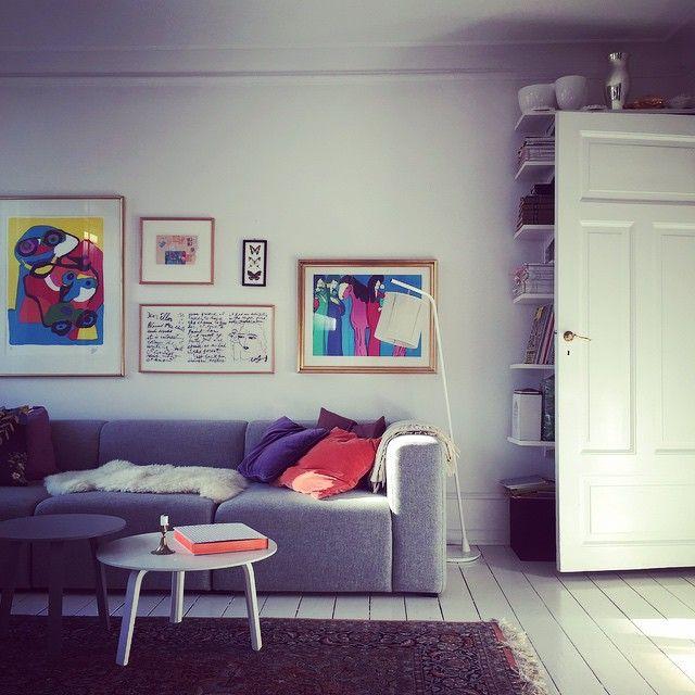 Springlight in my livingroom✨. #carolineseverydaydelights_myhome @haydesign @mettehjorthay @louispoulsen @christianflindt @svenskttenn @muutodesign #muuto #hay #christianflindt #louispoulsen #ikea #interior #copenhagen #design