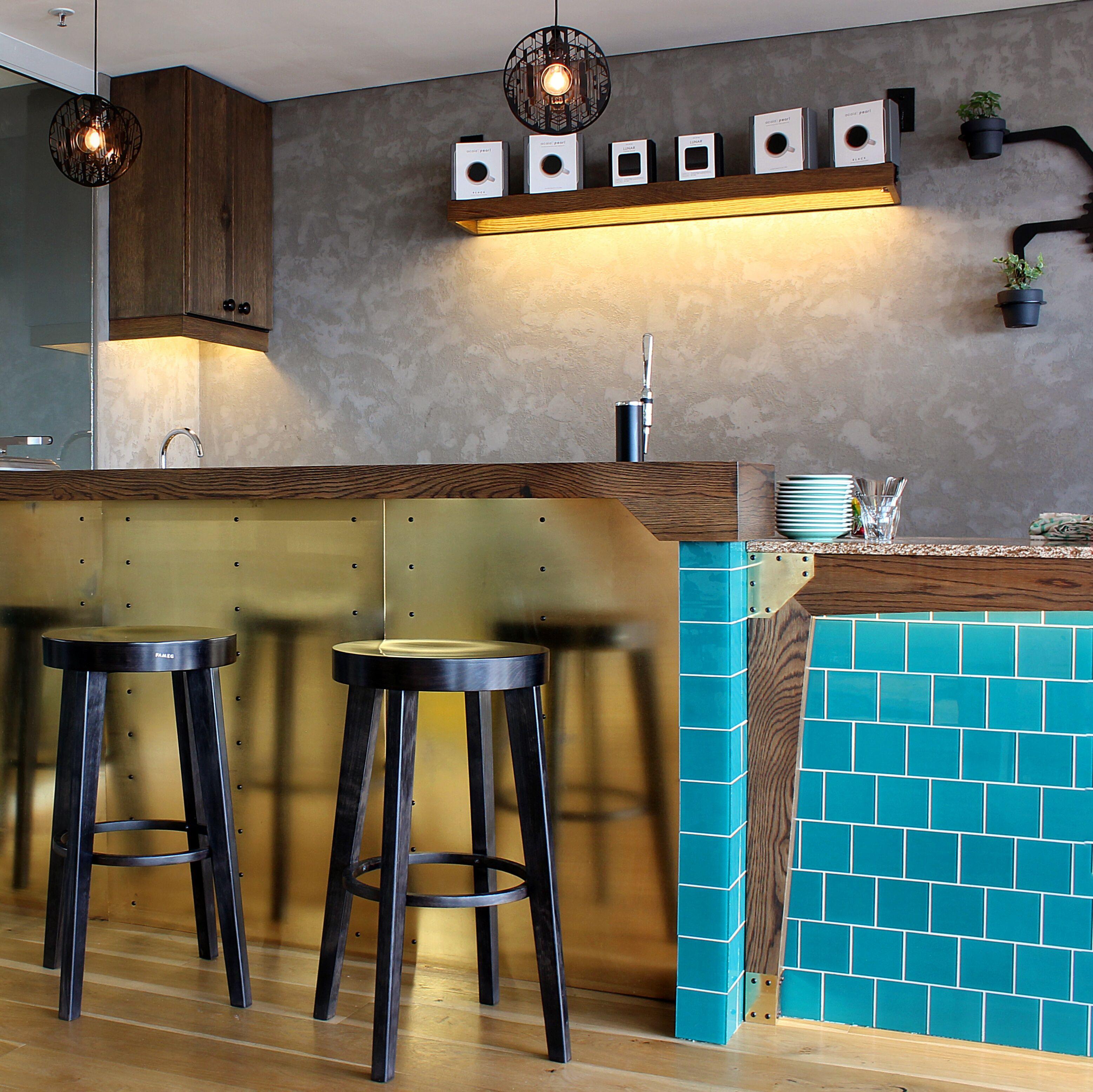 The Grind Coffee Company Farm style kitchen, Interior