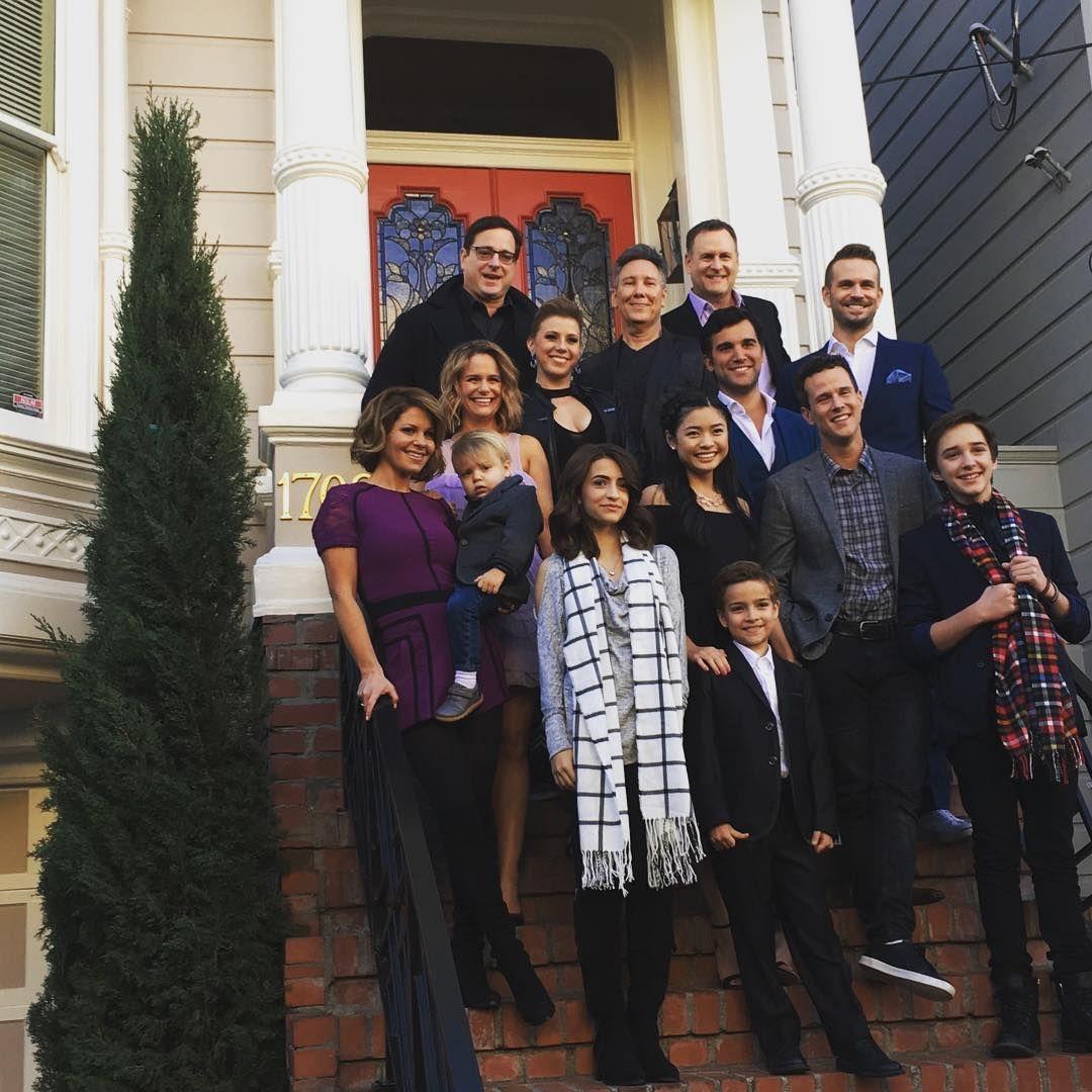 Fuller House Cast On The Front Steps Of The Full House House