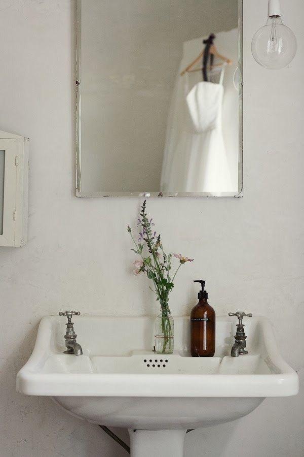 Zero Waste Bathroom Styling Vintage Interior Look