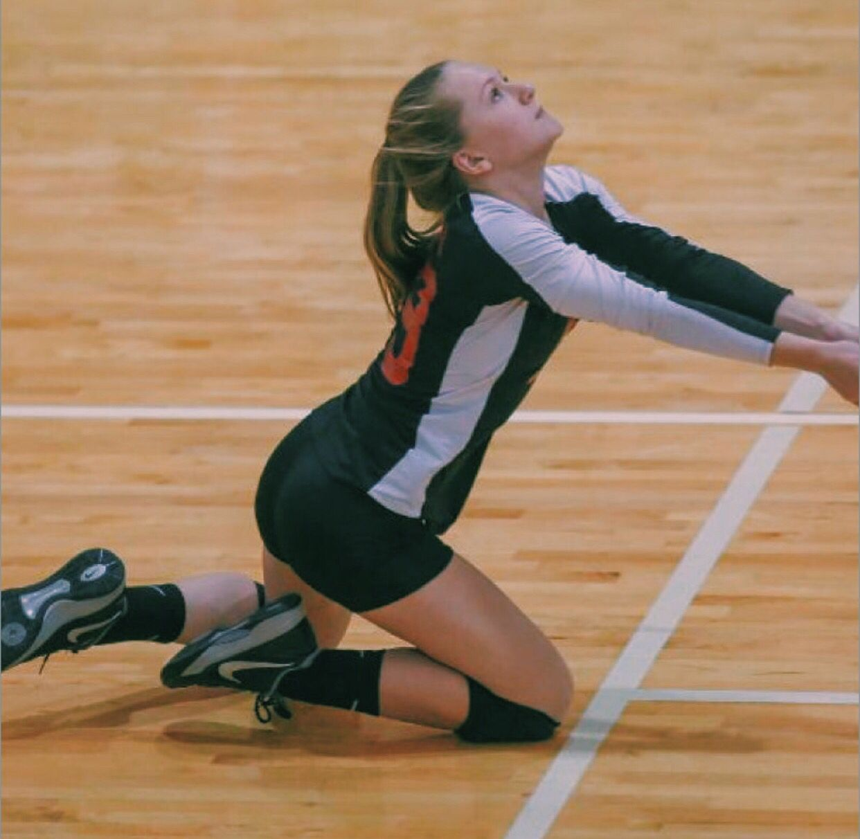Pin By Najlia On Volleyball Volleyball Pictures Volleyball Players Volleyball