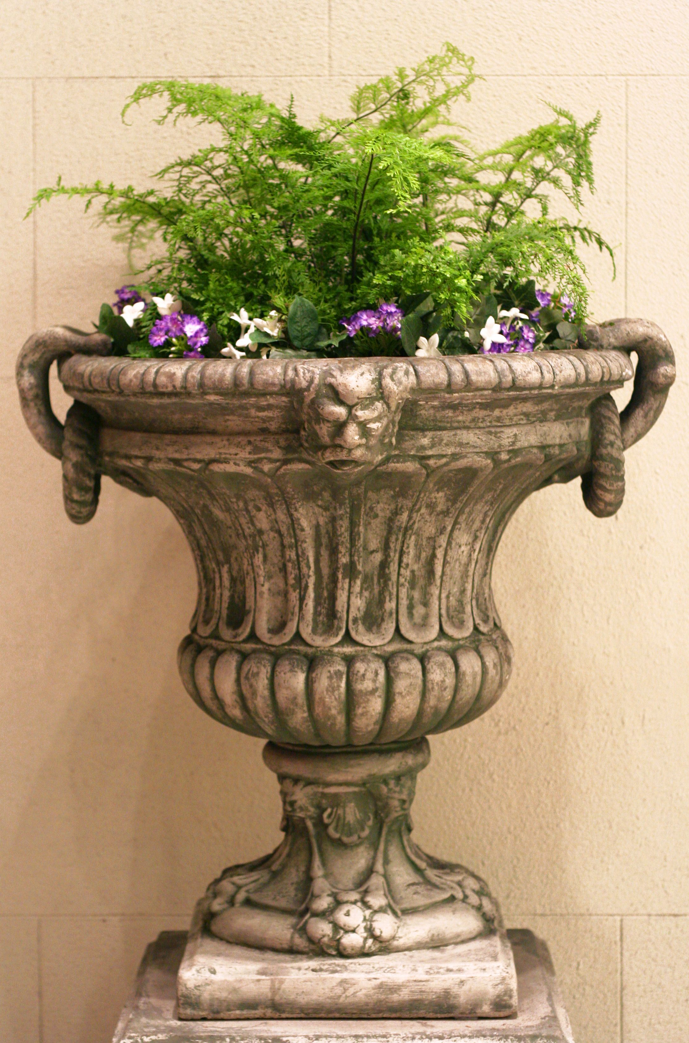 Urn decorated with ferns | Plant containers | Pinterest | Urn ...