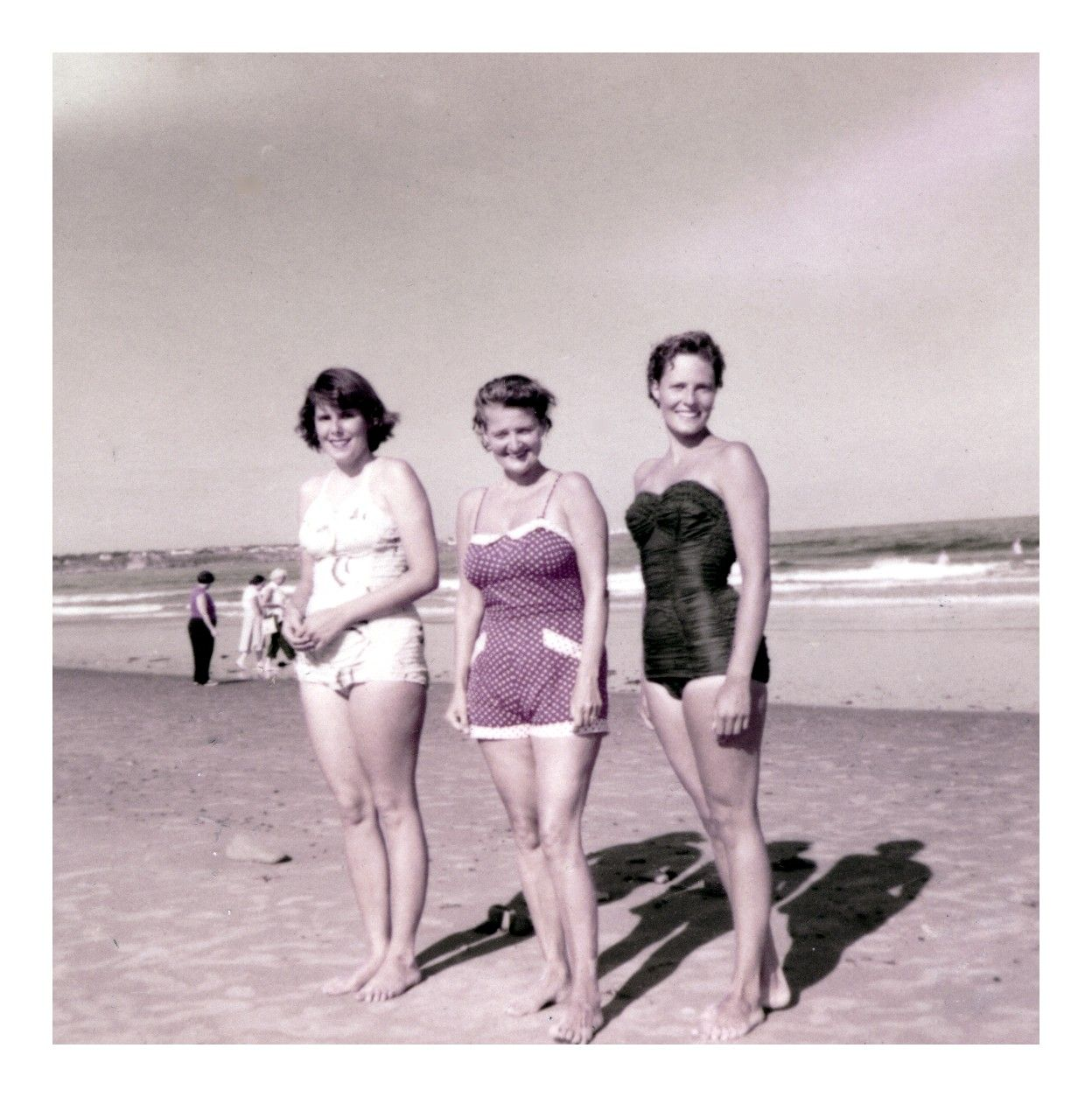 f5a0636559af0 1950s  The early Days of Swimwear Outbreak – 43 Color Snapshots Show Women  in Bathing Suits over 60 Years Ago