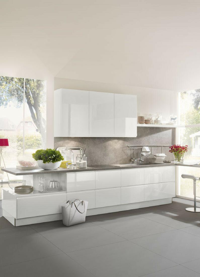 Arbeitsplatte Aus Naturstein Welche Vorteile Hat Eine Steinarbeitsplatte Kuchenfinder Wohnung Kuche Kuchen Design Kuche Hochglanz