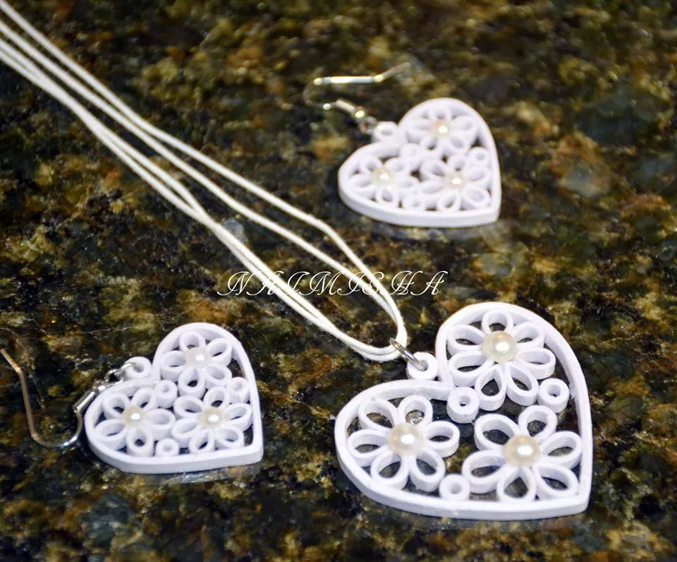Quilled pendent