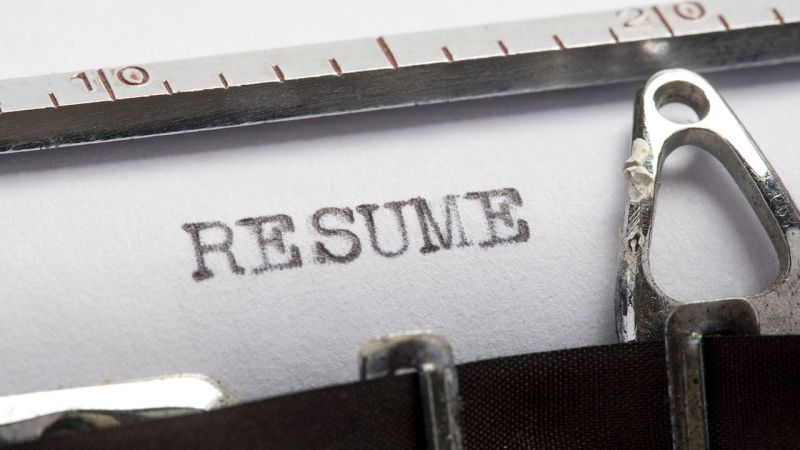 Should I Use a Paper Resume or an Online One? - resume paper