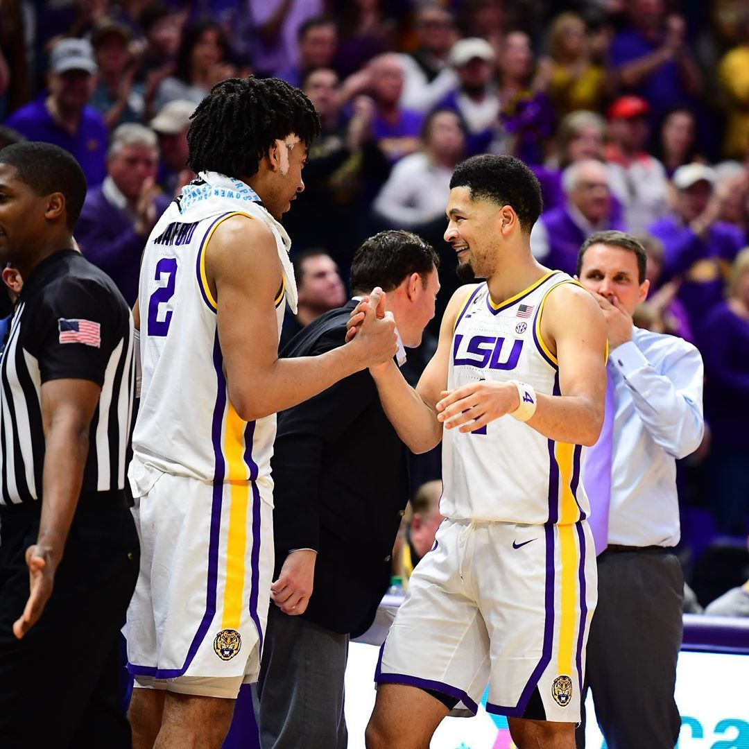 Lsu Basketball On Instagram One Last Standing Ovation For The Seniors In 2020 Lsu Basketball Standing