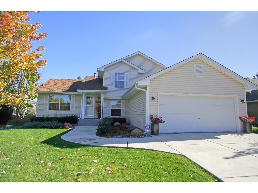 15770 Gallery Ave, Apple Valley, MN 55124. 4 bed, 3 bath