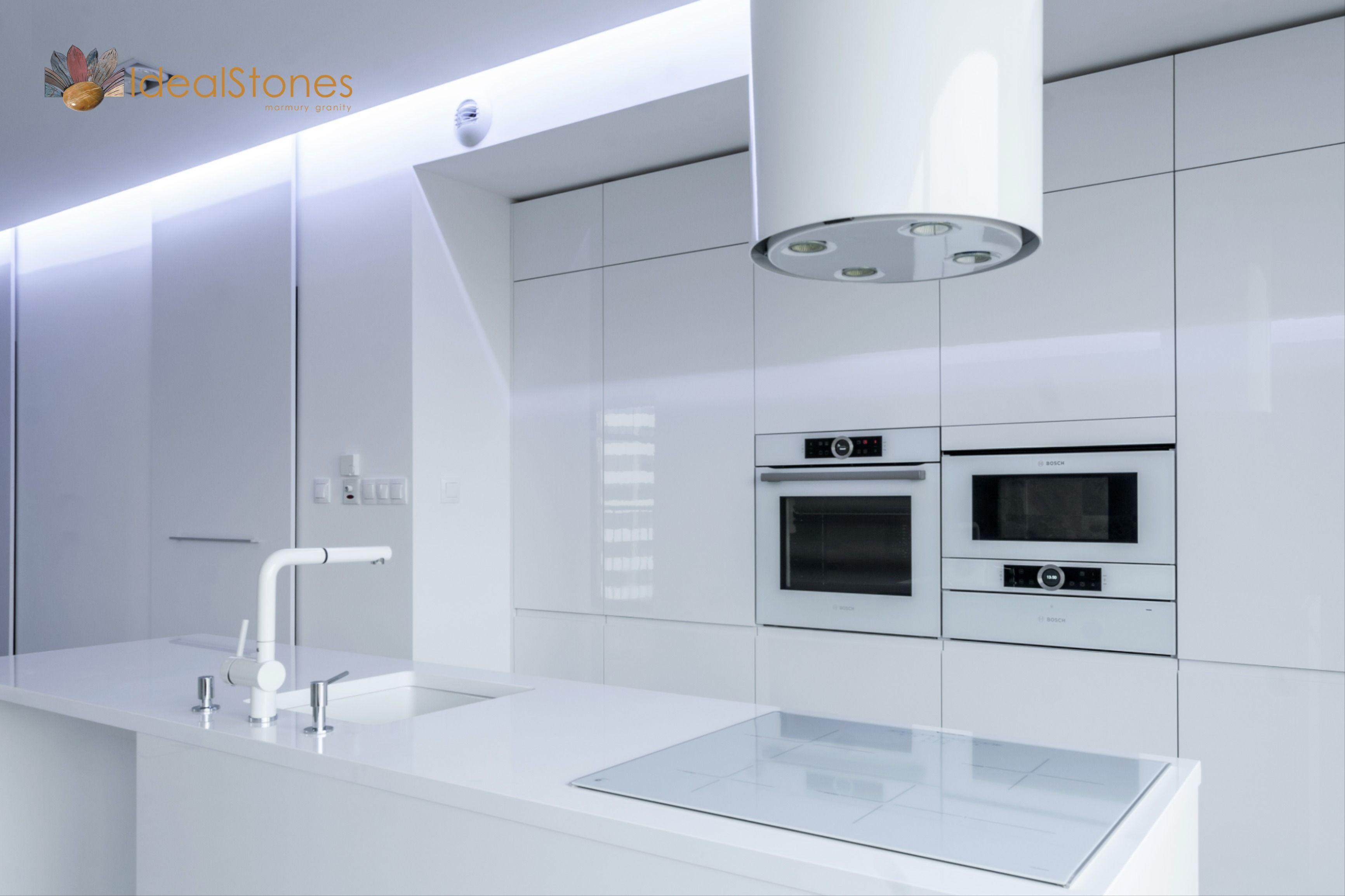 Blat Kamienny Na Wyspe Kuchenna Z Bialego Kwarcytu Ideal Bianco Lighted Bathroom Mirror Bathroom Mirror Bathroom Lighting