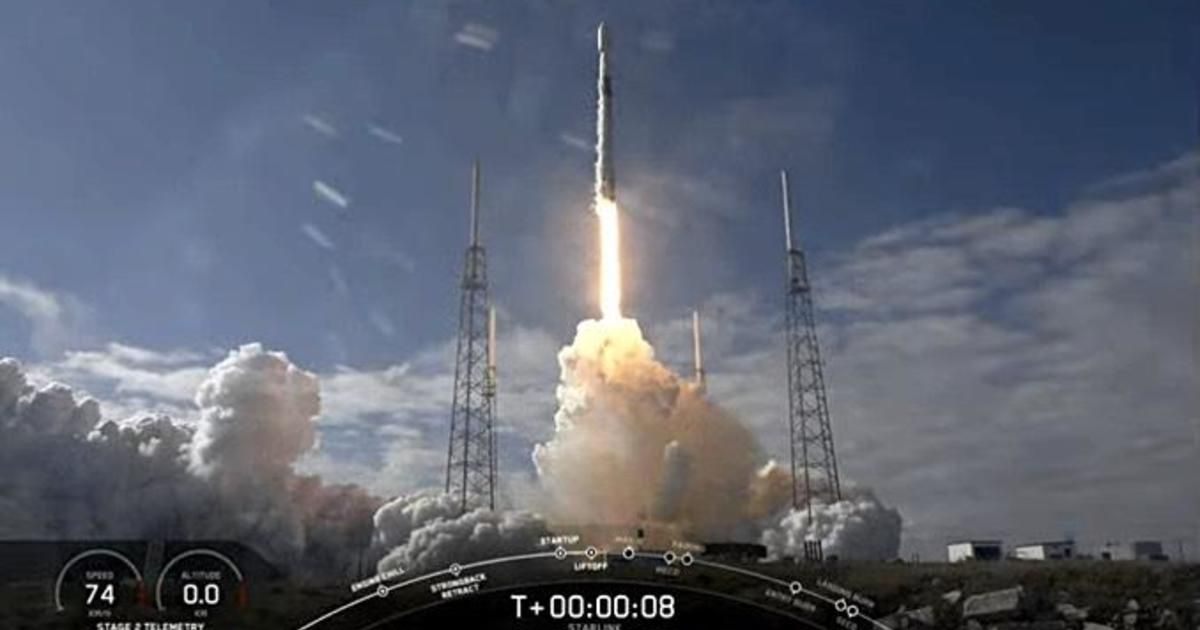 SpaceX launches 60 more satellites — but