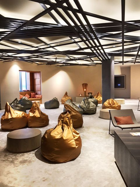 Lounge novotel moscow kievskaya design by kitzig interior for Kitzig interior