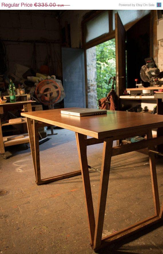 Schreibtisch industrial  SCHREIBTISCH Industrial Tisch aus Multiplex von HardmanDasein ...