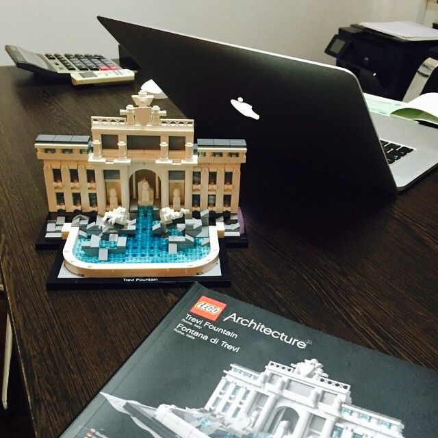 How we spent yesterday. It was fun #Lego #fontanaditrevi