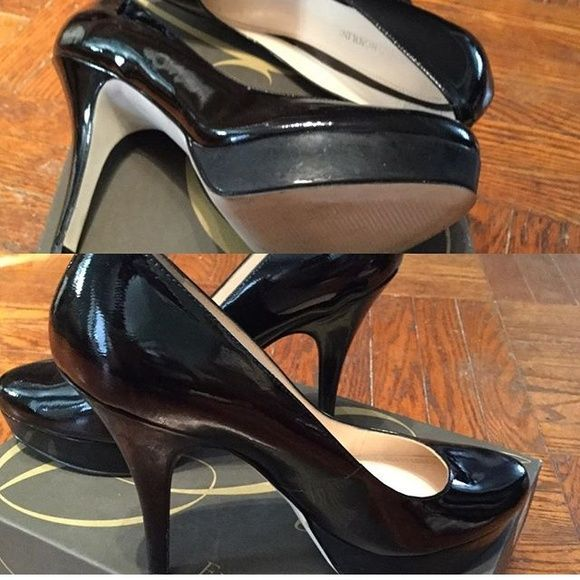 Black patent leather heel Nice pump in black patent leather worn once for about 2 hours. Excellent almost new condition. Enzo Angiolini Shoes Heels