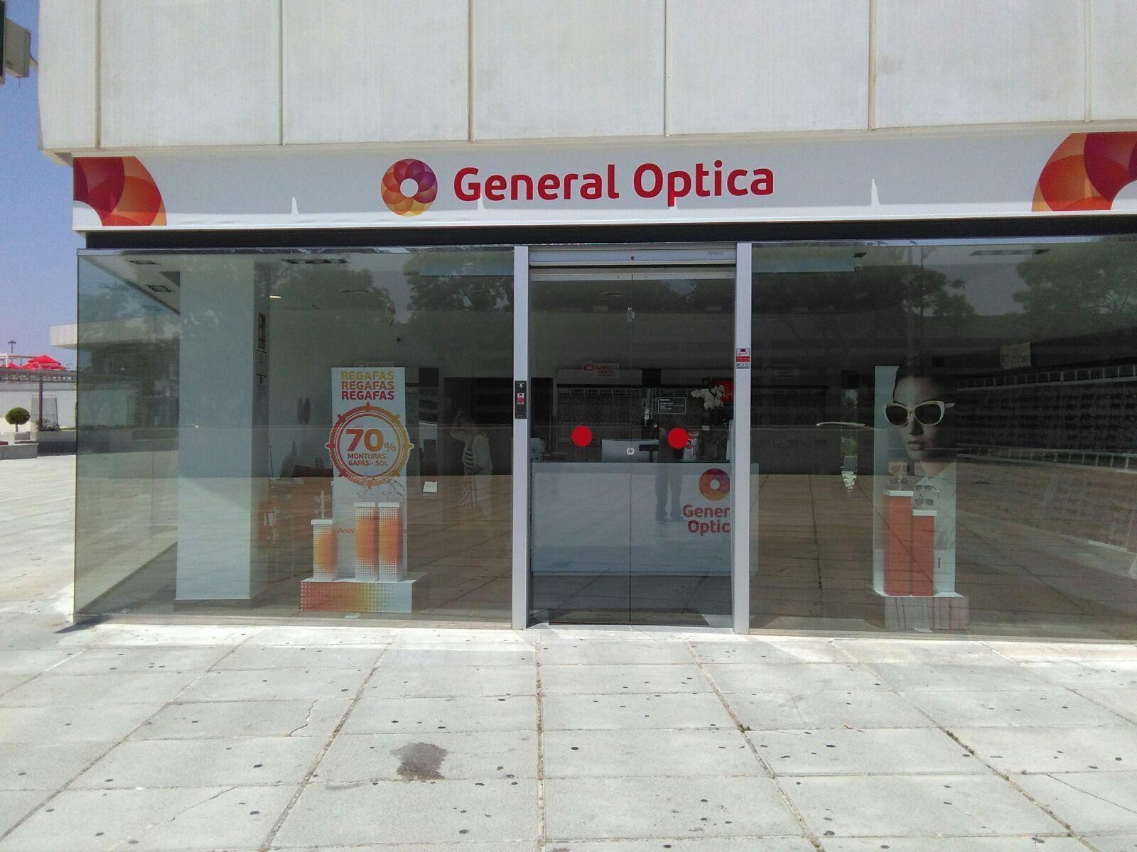 Rótulo realizado para General Optica, basados en su diseño.