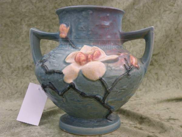 Shopgoodwill Beautiful Vtg Roseville Magnolia Blue Vase 180 6