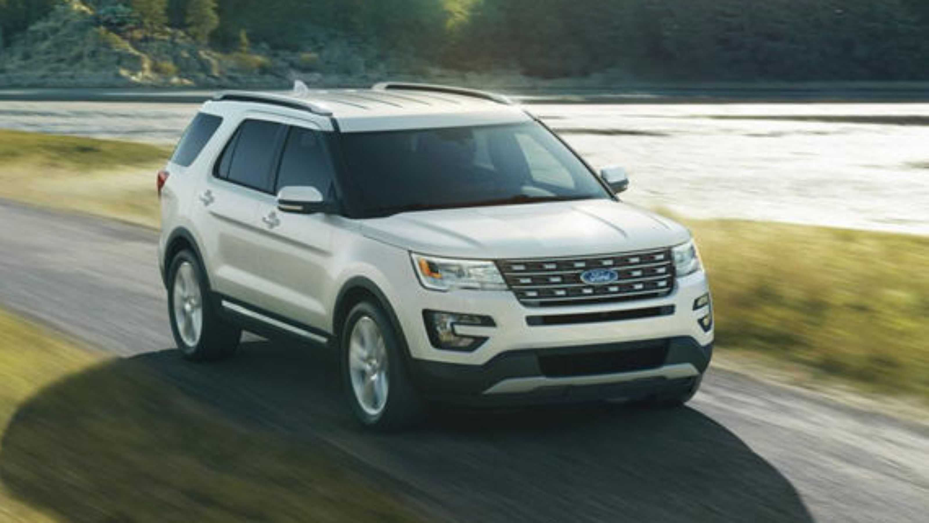 2018 Ford Explorer white Ford explorer, Super sport cars