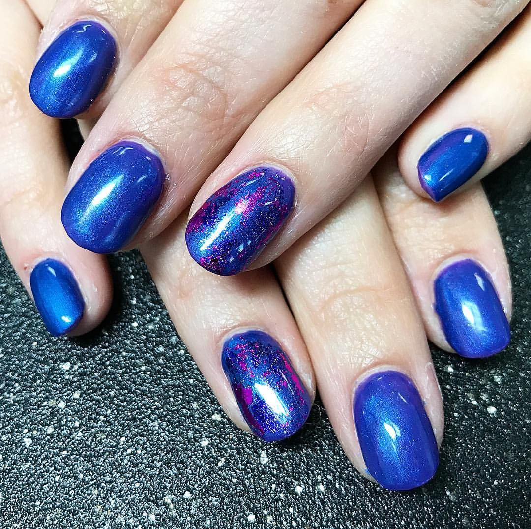 Gel Nails Shirt Round Blue And Purple Shimmer Nails With