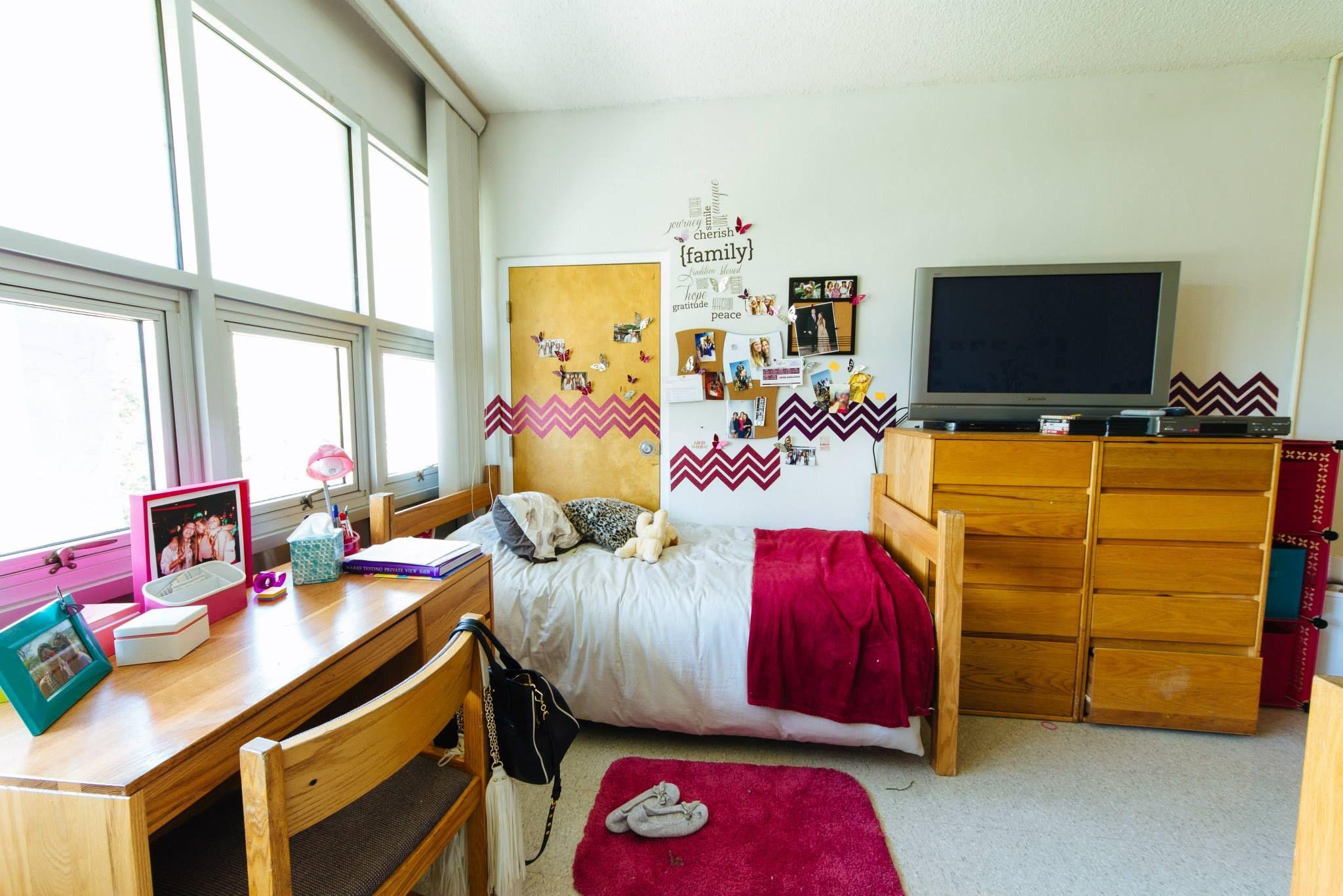A Lynning Dorm Lynn University Dorm Life