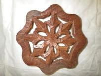 HAND CRAFTED WOOD TRIVET.MINT CONDITION. FREE SHIPPING AND FREE PHOTONS