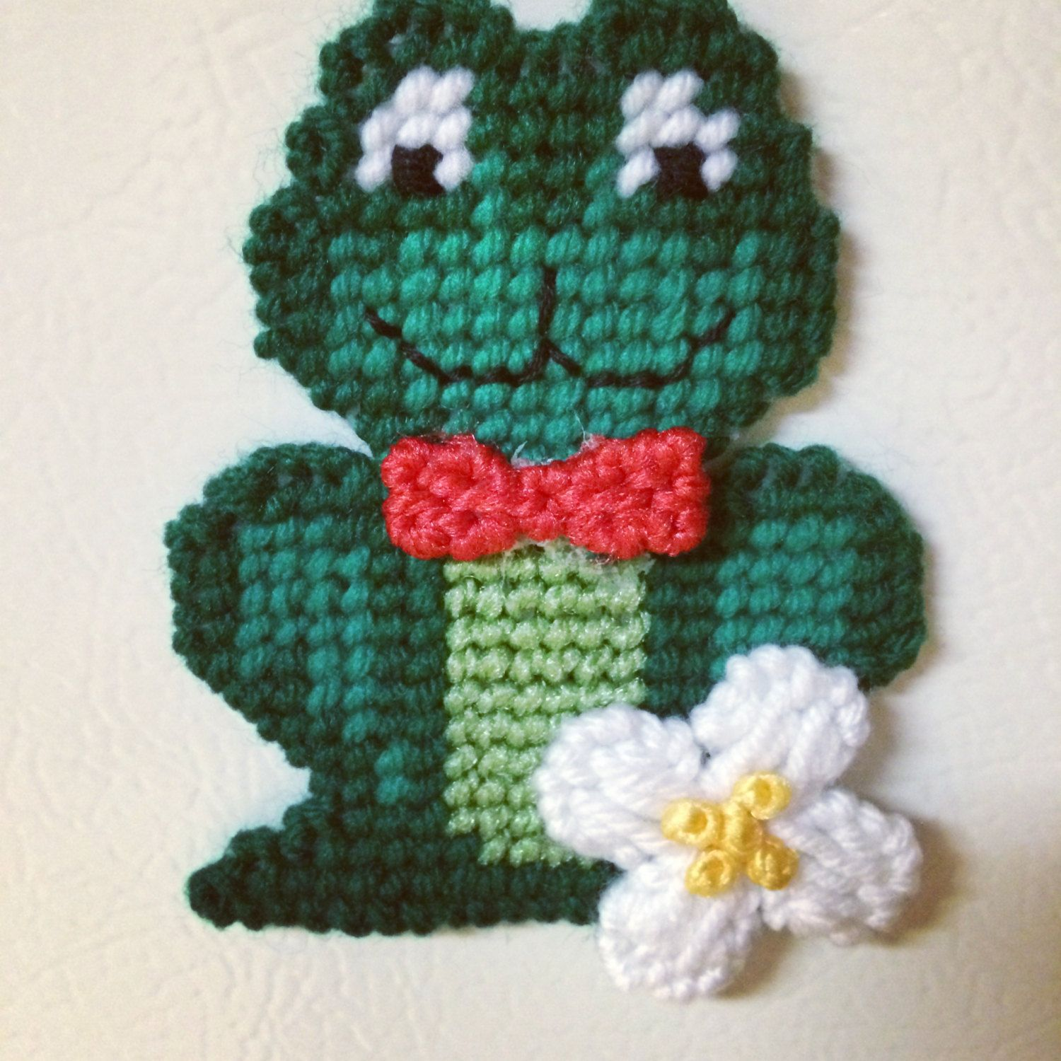 Frog Magnet plastic canvas by Cathygiftsandthings on Etsy