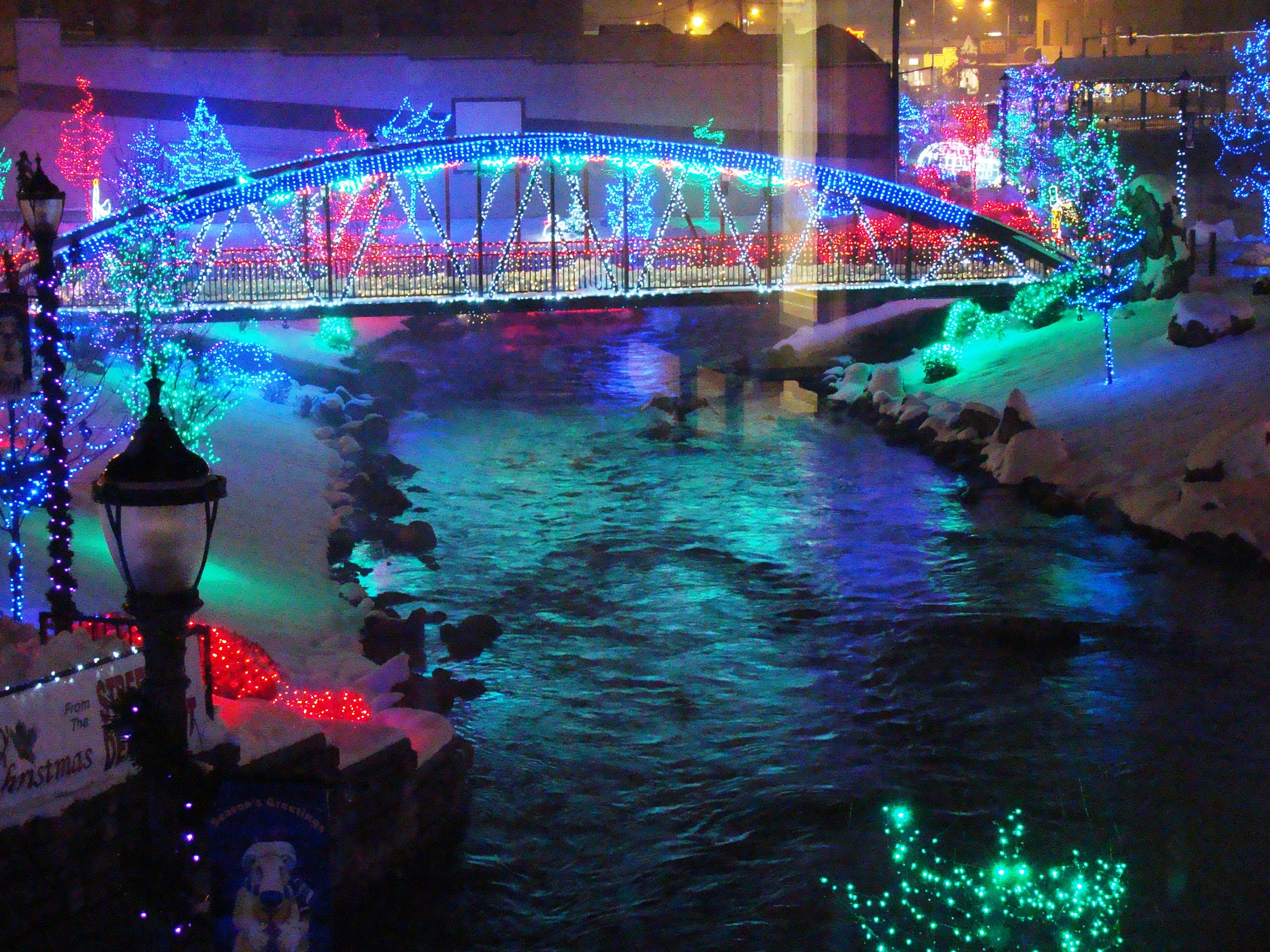 indian creek in caldwell done up in her christmas finery
