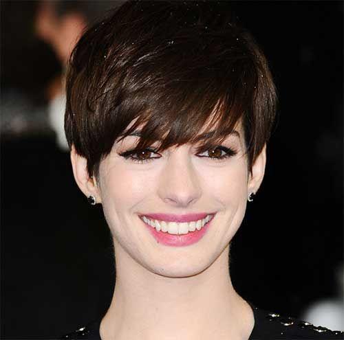 Anne Hathaway Dark Short Pixie Jpg 500 495 Pixie Frisur Pixie Haarschnitt Tolle Kurze Haare