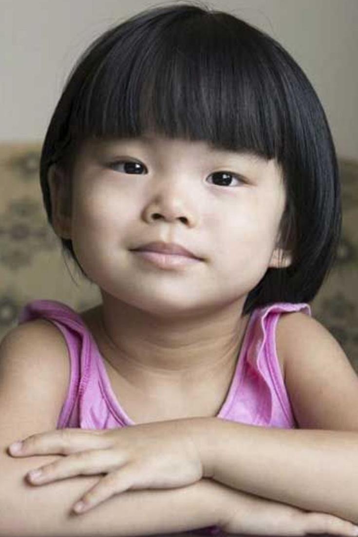 coiffure petite fille coupes de cheveux pour petite. Black Bedroom Furniture Sets. Home Design Ideas