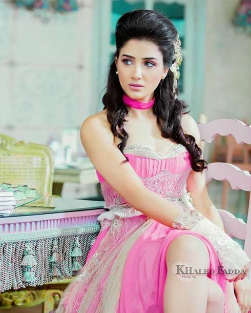 تعرف علي مي عمر بطلة مسلسل الاسطورة Beautiful Arab Women Beauty Full Girl Flower Girl Dresses
