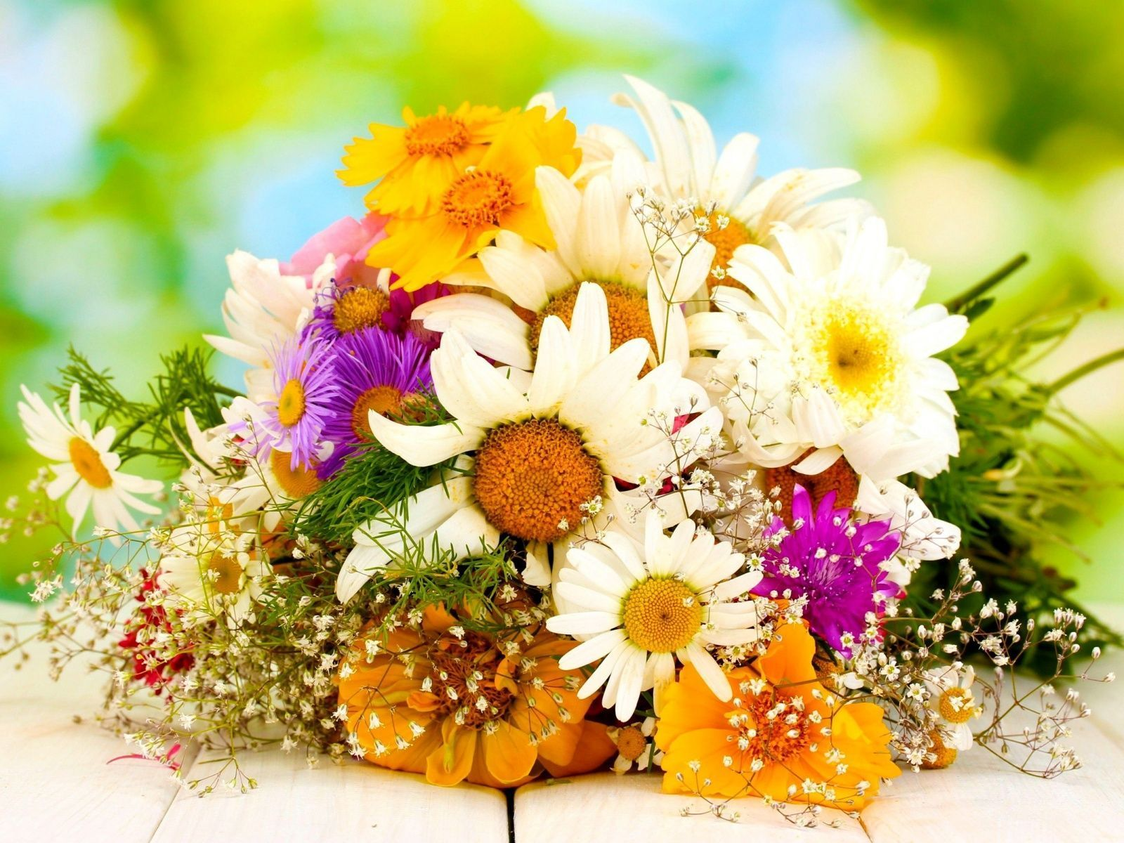 OnlineFloristMumbai Send Flowers To Mumbai through buy