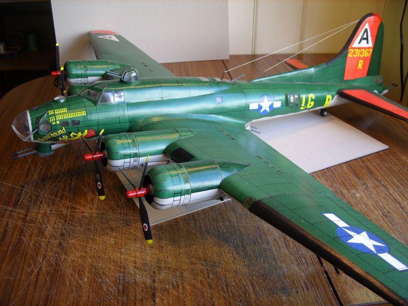 1:47 Scale Boeing B-17 Flying Fortress Heavy bomber Handcraft Paper Model Kit