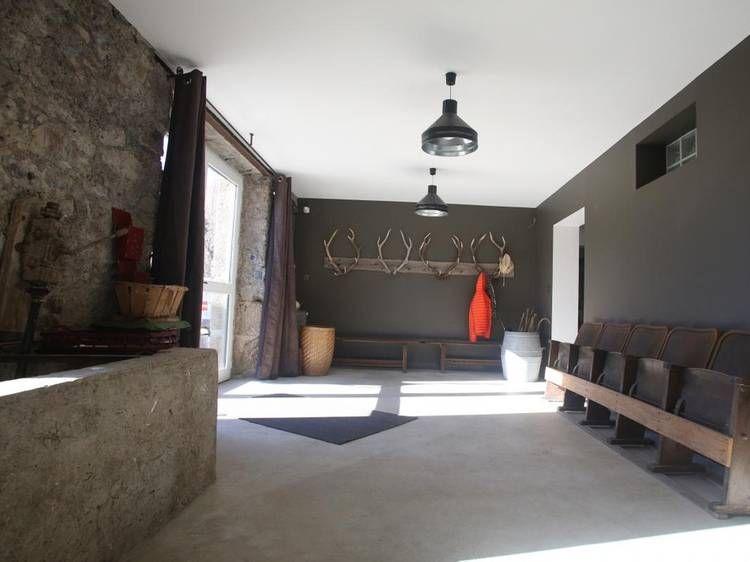 Entr e d co mur gris porte manteau original bois de cerf strapontin g te maison des champs - Porte manteau maison ...