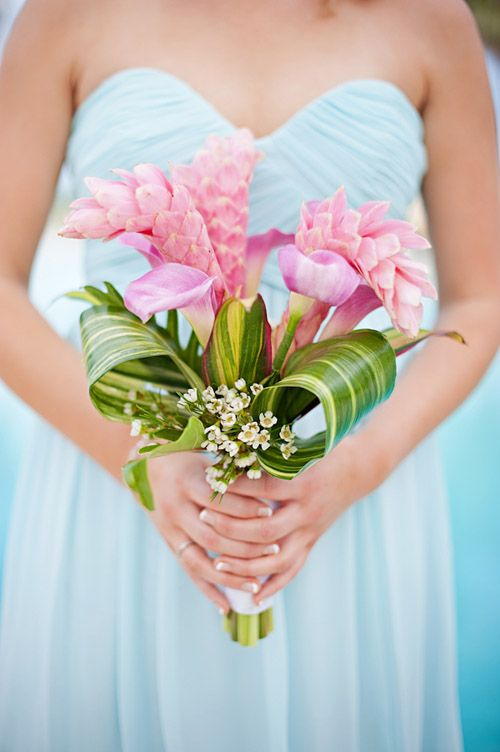 Tropical Bridesmaid Bouquet Photos By Jennifer Weiss Photography Junebug Weddings