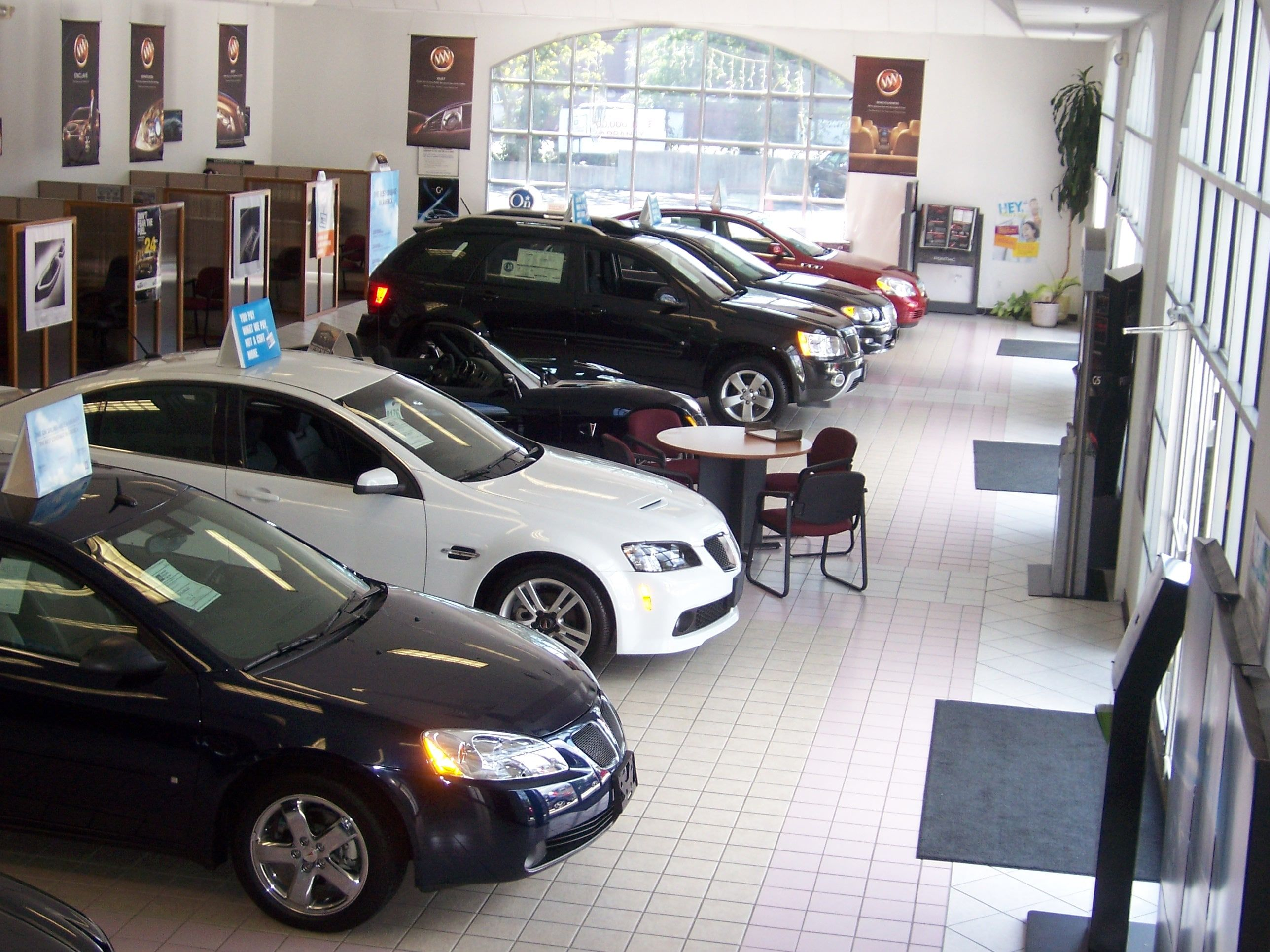 Car Dealerships In Ct >> Gj Preowned Vehicle Fairfield Ct Used Car Dealer Auto