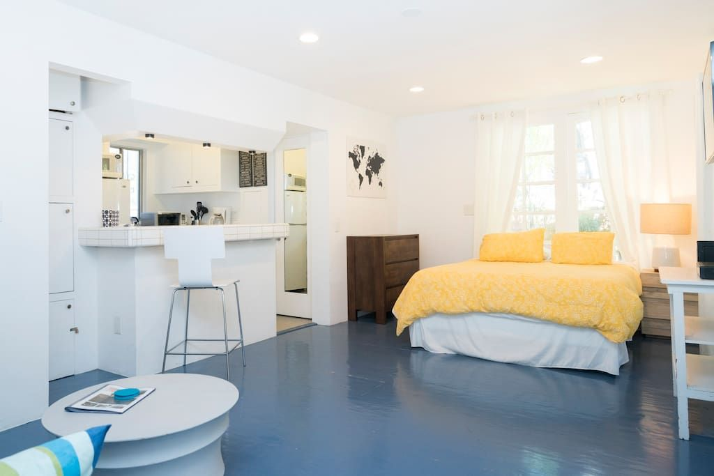 Entire Home Apt In Los Angeles County United States Just A Few Blocks From The Beach In Prime Venice And Steps Away From Apartments For Rent Home Home Decor