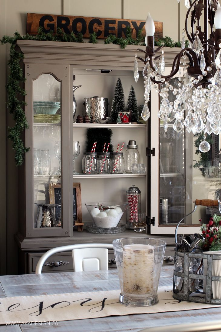 Bon Decorating A Dining Room Hutch For Christmas Is A Simple Way To Add A  Little Holiday Cheer To The Dining Room, Without A Lot Of Fuss Or Mess.