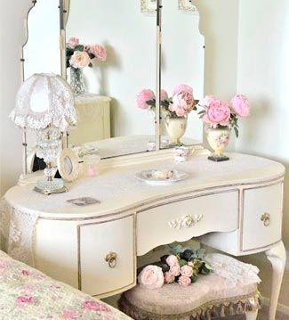 espejito espejito aade un tocador en la zona de vestidor o en el dormitorio combinando