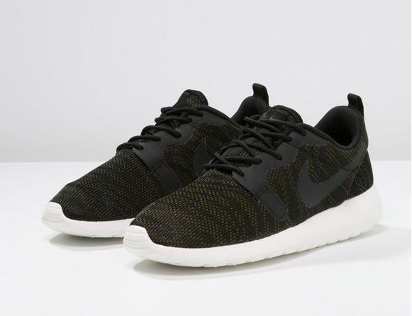 Black · Nike Sportswear ROSHE ...