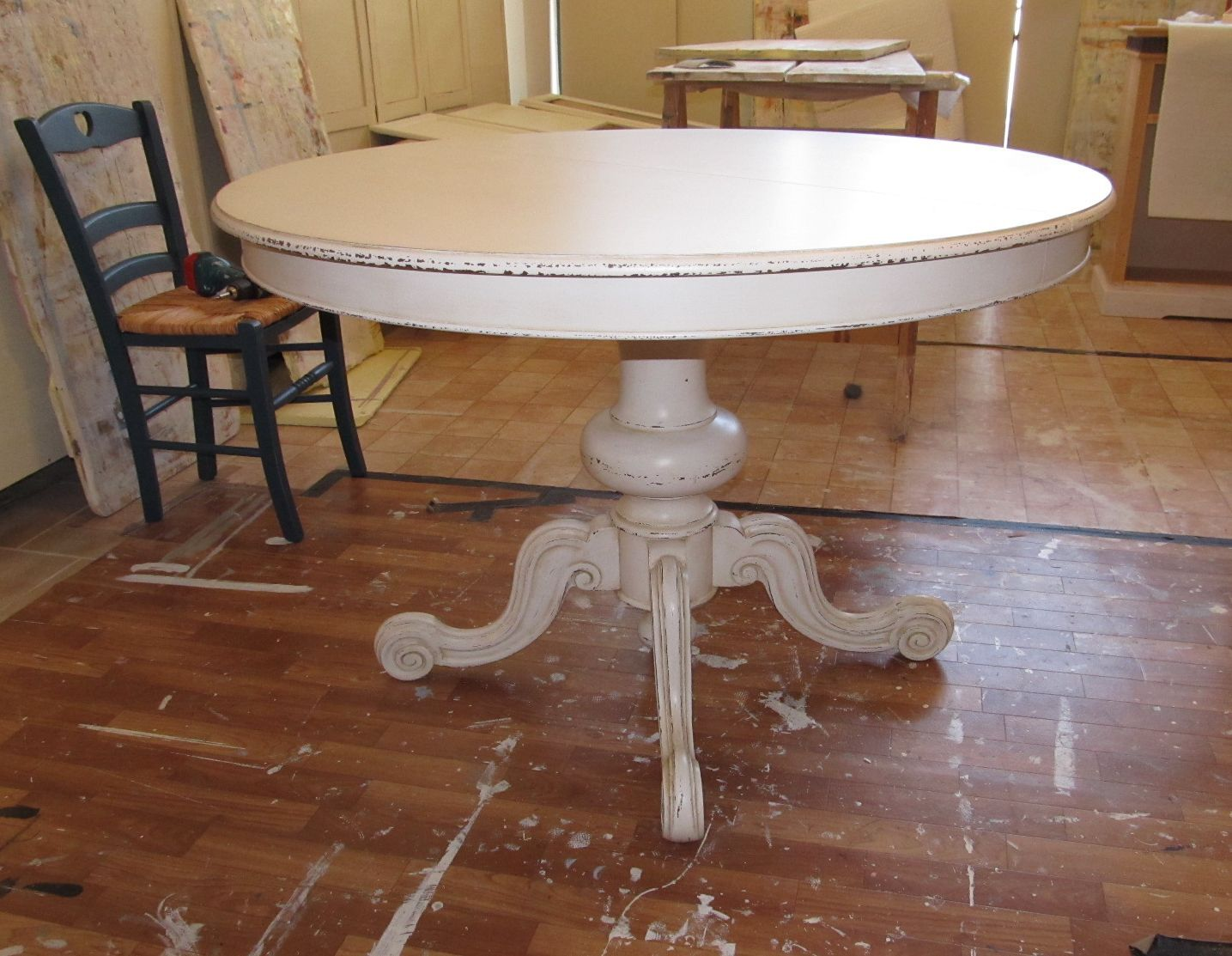 Tavolo Con Gamba Centrale tavolo rotondo #shabby con gamba centrale lavorata (con